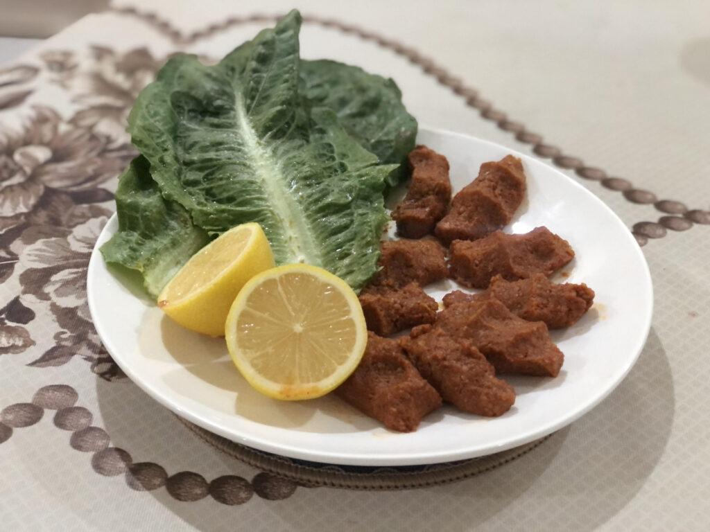 Çiğ köfte; turška specialiteta narejena doma